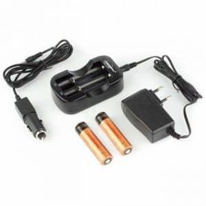 Kit 2 baterías 18650 2600 mAh y cargador rápido